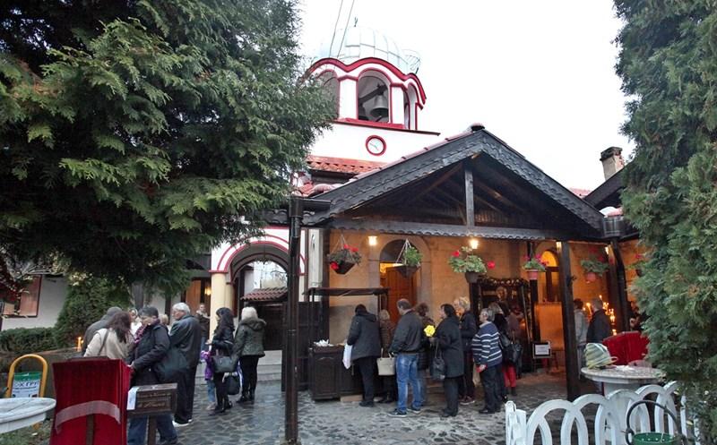 Обрадовският манастир пази спомена за много чудодейни изцеления / Снимки:
