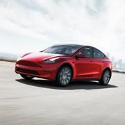 """""""Тесла"""" намалява цените на """"Модел Уай"""""""
