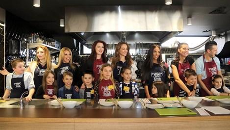 """Шест известни майки и един татко рекламират новото тв шоу """"Мама готви по-добре"""""""