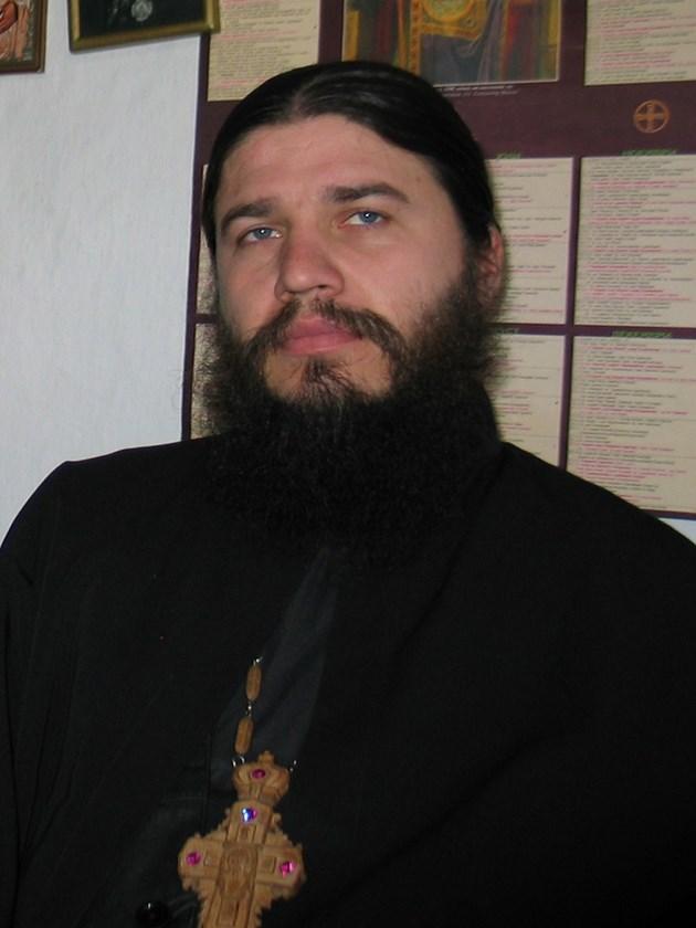Антиваксърът отец Евгений Янакиев: Зъл дух се всели вдъщеря ми след ваксина
