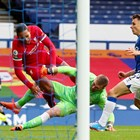 Пикфорд се отърва за балтията срещу Ван Дайк