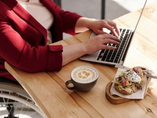 Отървете се от лошите хранителни навици на работното място в 5 лесни стъпки