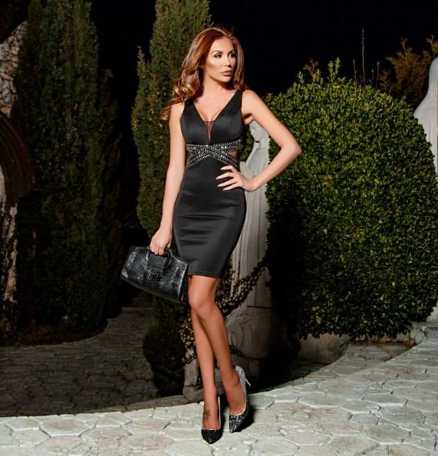Моника Валериева припечелва от рокли