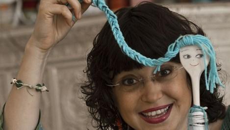 Жени Костадинова помага на бездетни семейства с... кукли