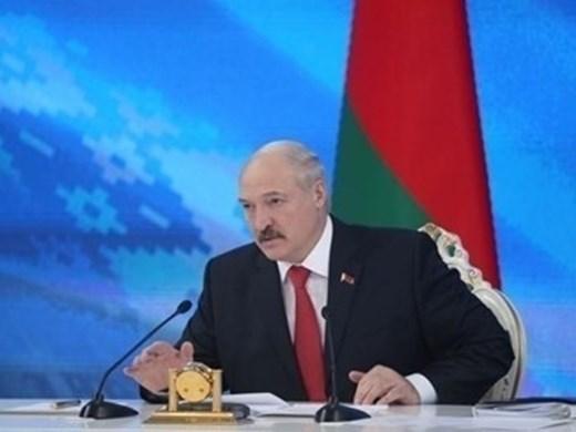 С изборите в Беларус се залавя КГБ