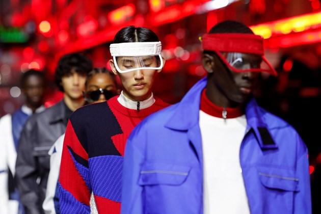 Седмицата на модата в Милано: Мъже в зелено, синьо, жълто
