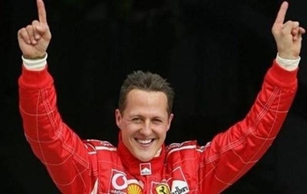 Шумахер е в съзнание след операцията в Париж