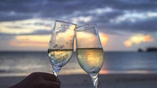 Как да пием шампанско