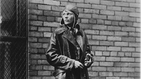 Амелия Еърхарт – медицинската сестра, останала завинаги в облаците