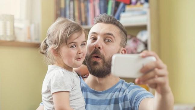 Най-забавните публикации на родители в социалните мрежи за 2016 г.