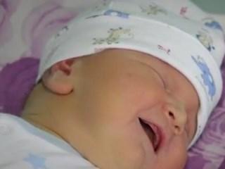 Бебе гигант се роди в АГ болницата във Варна