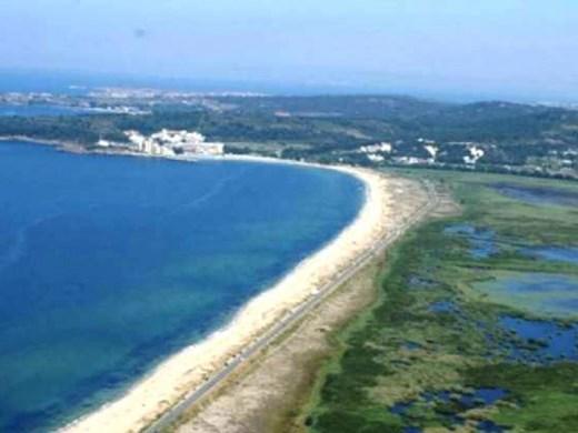 Търсят спасители за 8 безстопанствени плажа, включително и за Шофьорския