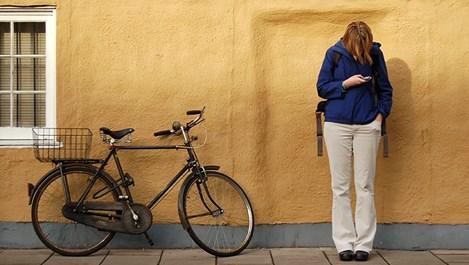 Да пратя ли SMS на бившия? Стига с тия глупости