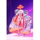 Жан Пол Готие представи последната си колекция висша мода, дефилето започна с изнасяне на ковчег (Снимки)