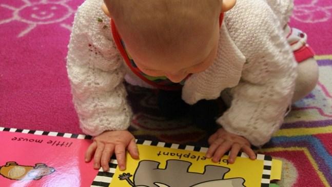 Бебетата могат да четат! Тези 8 метода за ранно детско развитие го доказват