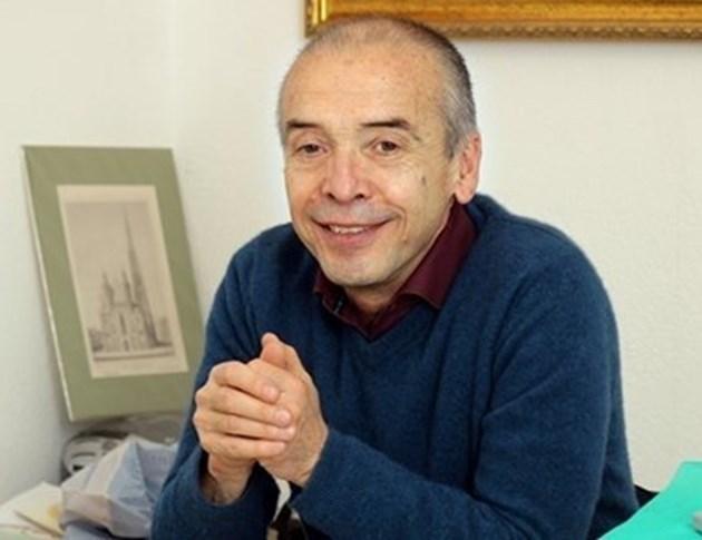 Д-р Атанас Мангъров след контакта си със заразения с ковид-19 Георги Любенов:  Няма да си правя никакъв тест, лапам маркуча всеки ден, не ме е страх!