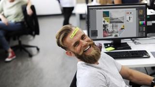 Има ли място хуморът в офиса?