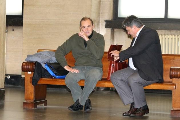 Вальо Топлото изнася лекции пред съда