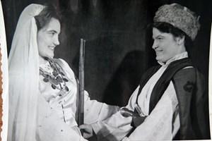 Ангелина Сотирова в постановка на пловдивския театър през 1969 г.
