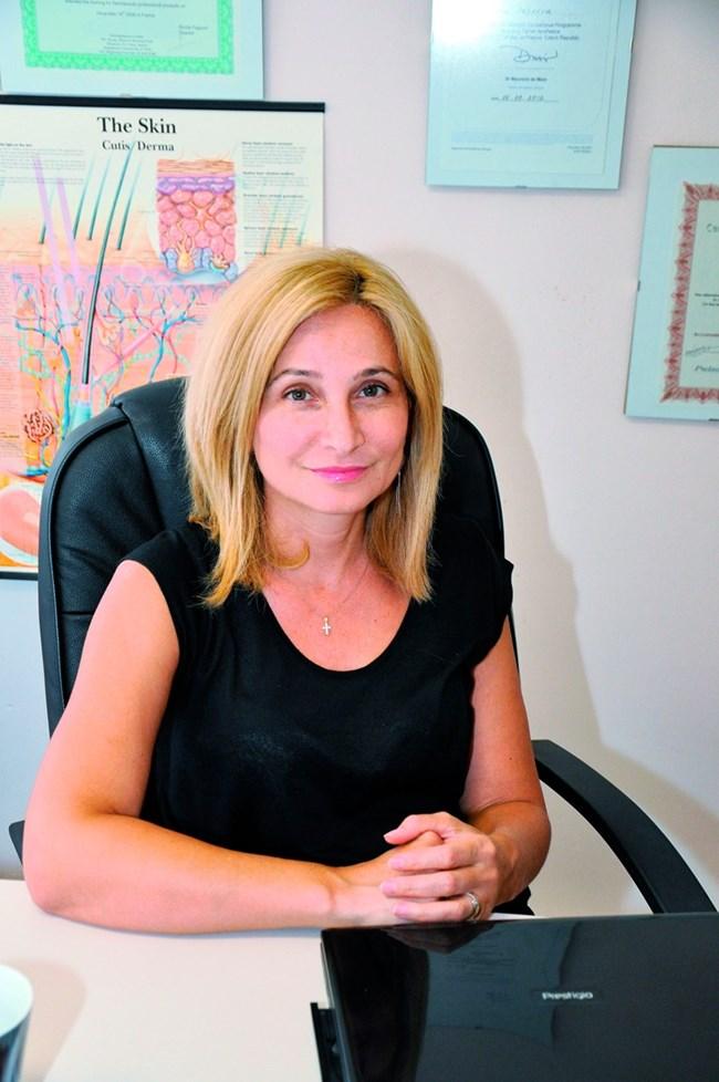 дерматологът д-р Ана Пейкова