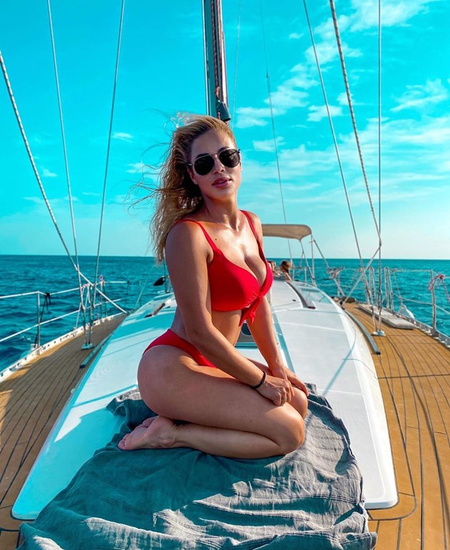 Жени Джаферович на най-красивия плаж