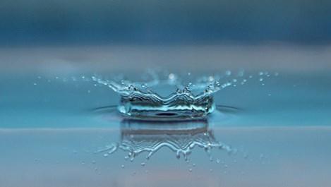 Мицеларна вода - чудото, което нашата кожа заслужава