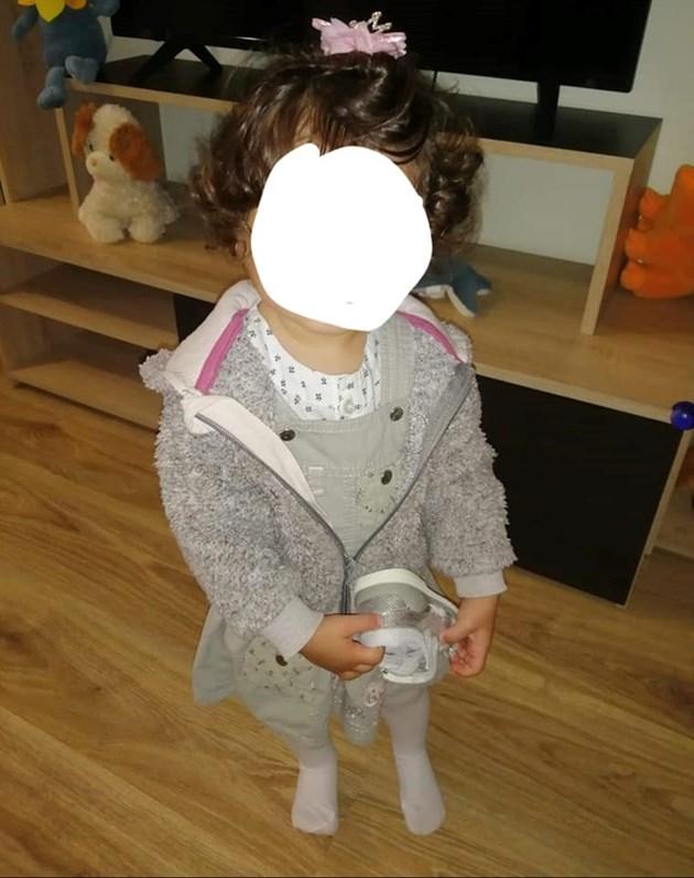 Малката Емили е отнета от майка си заради опита й да се самоубие / Снимки: Личен архив