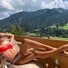 Алпийско слънце пече Даниела