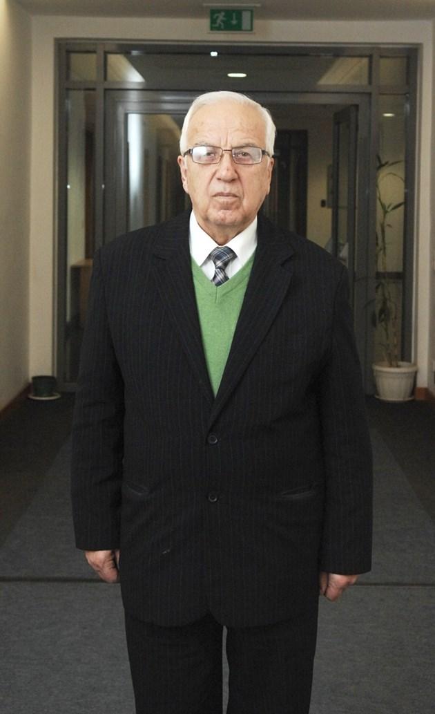 Проф. Мермерски изригна: Вучков е новият Бай Ганьо