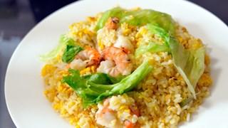 Ориз със скариди и зелена салата
