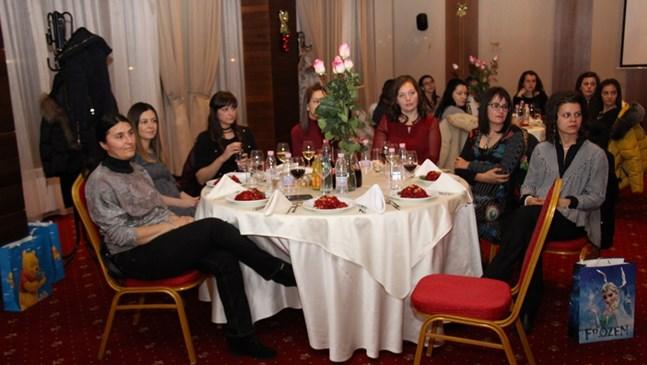 92 майки, родили през 2017 г. събра на Бабинден кметът на Банско