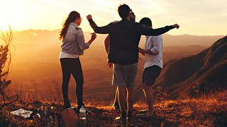 9-те характеристики на добрите приятели