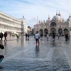 """Отвориха площад """"Сан Марко"""" във Венеция, нивото на водата по-малко от очакваното (Снимки)"""