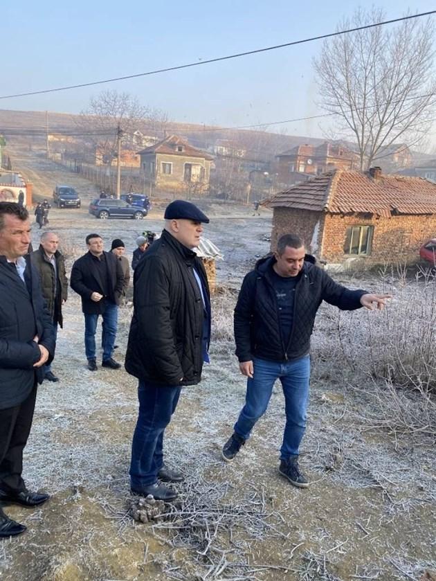 Гешев, Маринов и главният секретар на МВР са в Галиче (Снимки)