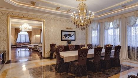 Златен дом само срещу 82 000 евро на месец (галерия)