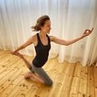 Дария Симеонова луда по йогата