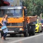 Ивайла Бакалова тича пред камион
