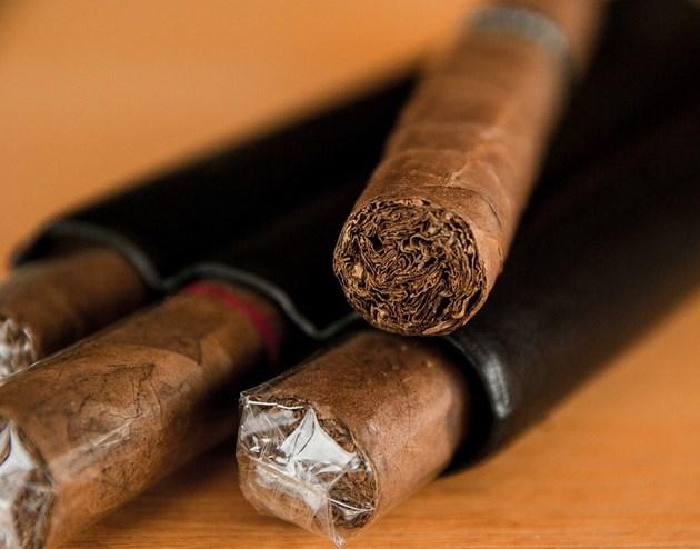 Търговците ще продават пури и пурети със стар акцизен бандерол до 2021 г.