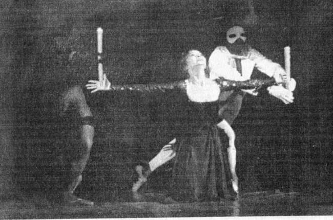 През 1998 г. Красимира Колдамова осъществява една своя отдавнашна мечта - да направи спектакъл по песни на Едит Пиаф. Прави го в сътрудничество с балета на Русенската опера. По онова време тя е вече на 60 години, но публиката не забелязва това - над всичко стоят нейното изящество и женственост.