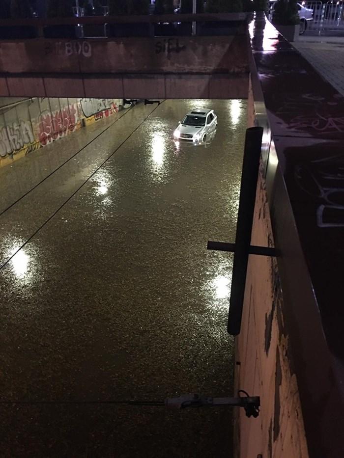 Кадри от снощното наводнение в столицата