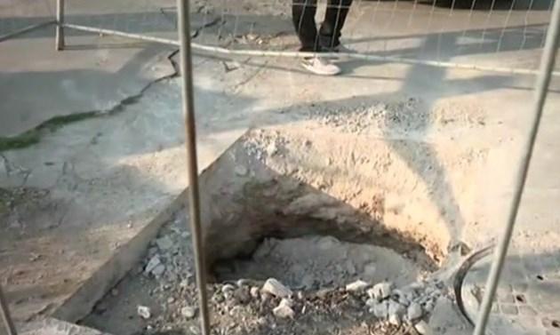 Незрящи жени пропадат в дупка на тротоар, община нехае