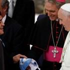 Папата се молел за Марадона