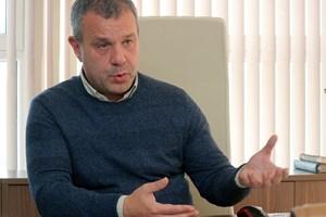 Какво забравихте (или не сте знаели) за Емил Кошлуков