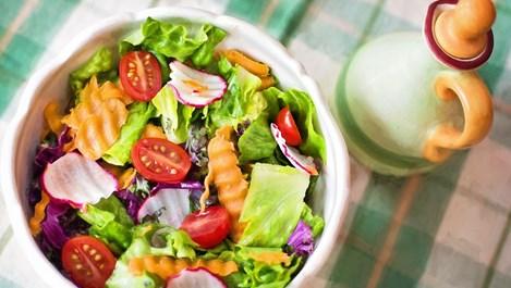 Как да направим перфектния дресинг за салата (+рецепта)