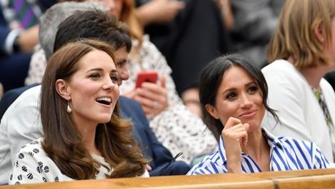 Кейт и Меган за първи път заедно без принцовете (Галерия)