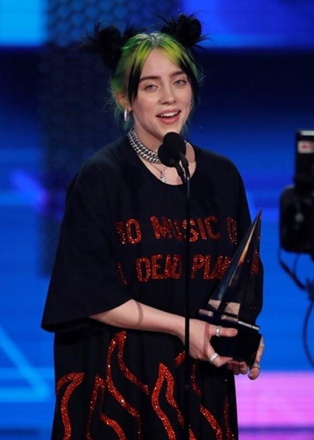 """""""Bad Guy"""" на Били Айлиш беше избрана за песен на годината на """"Билборд"""""""