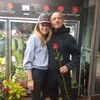 Ерос Рамацоти купува рози от българка