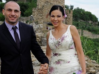 Юлияна Дончева: Трябва много да обичаш мъжа си, за да се осмелиш