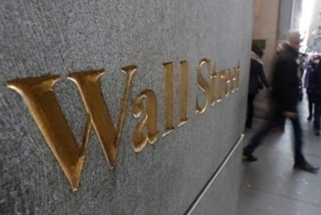 """Сривът на """"Уолстрийт"""" доведе до първа корекция на индекса Dow Jones от 2018 г."""