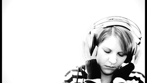 Музиката облекчава болка и намалява апетита